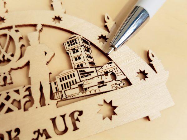 Miniaturzuschnitte in Sperrholz